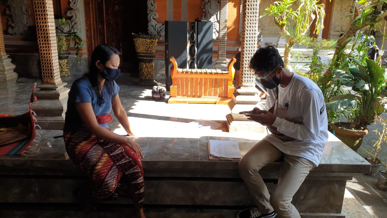PETUGAS BKKBN Bali saat melakukan tahapan uji coba Pendataan Keluarga Tahun 2021 (PK21) di Kabupaten Bangli. Foto: ist