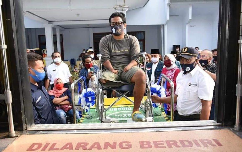 BUS ramah disabilitas yang diluncurkan Pemprov NTB. Foto: ist