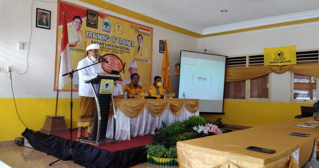 PELATIHAN untuk para pelatih saksi Partai Golkar di Pilkada Karangasem di DPD Partai Golkar Karangasem, Sabtu (21/11/2020). Foto: Ist