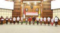 SUASANA penyerahan DIPA dan Alokasi TKDD Tahun Anggaran 2021 lingkup Provinsi Bali di Wiswa Sabha Utama Kantor Gubernur Bali, Kamis (26/11/2020). Foto: ist