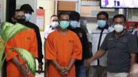 I Wayan Putra Yasa, anggota Polres Buleleng, ditangkap karena menjadi calo kasus penipuan calon pegawai negeri sipil (PNS). Korban tertipu sebesar Rp350 juta. Foto: rik