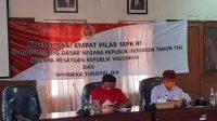 RAI Wirajaya dengan Made Rentin saat sosialiasi Empat Pilar Kebangsaan di Kantor BPBD Bali. Foto: alt