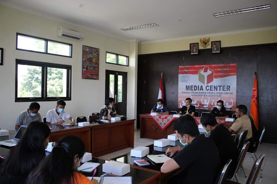 RAPAT Rencana Kerja Saka Adhyasta Pemilu Kwarcab Gianyar. Foto: adi