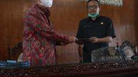 SIDANG paripurna lanjutan dengan agenda jawaban eksekutif atas pemandangan umum fraksi DPRD Bangli. Foto: gia