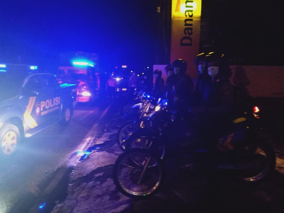 JAJARAN Polres Badung gencar melakukan Patroli Biru mengantisipasi aksi trek-trekan. Foto: ist