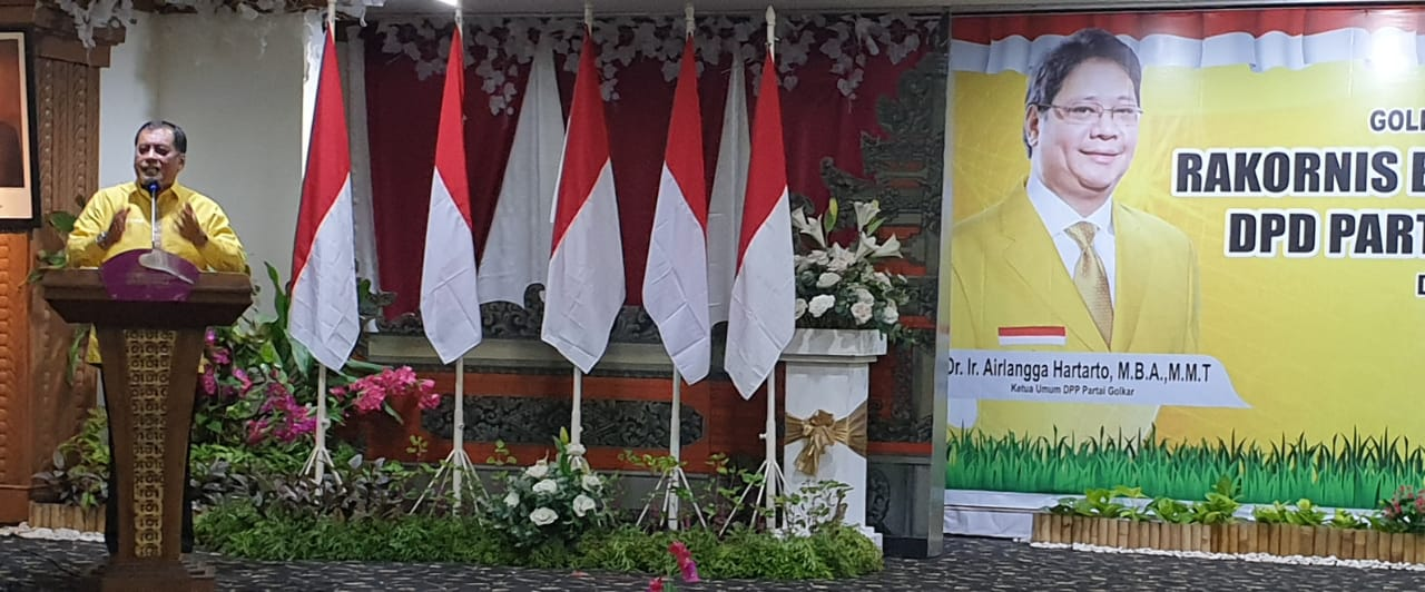 NURDIN Halid saat memaparkan strategi pemenangan pemilu dalam Rakornis Pemenangan Pemilu DPD Partai Golkar Bali, Selasa (10/11/2020). Foto: gus hendra