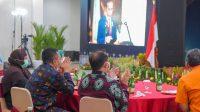 GUBERNUR NTB bersama Kepala BI Perwakilan NTB, dan Anggota Komisi XI DPR RI, Hj. Wartiah, saat mendengarkan arahan Presiden RI Joko Widodo secara virtual pada pertemuan tahunan Bank Indonesia Tahun 2020 di Kantor Perwakilan BI NTB, Kamis (3/12/2020). Foto: ist