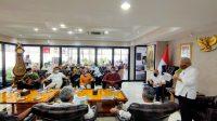 MENTERI PUPR, M. Basuki Hadimoeljono, saat menghadiri Rakor Percepatan Pembangunan Infrastruktur dan Konektivitas KEK Mandalika di rumah jabatan Ketua DPD RI. Foto: ist
