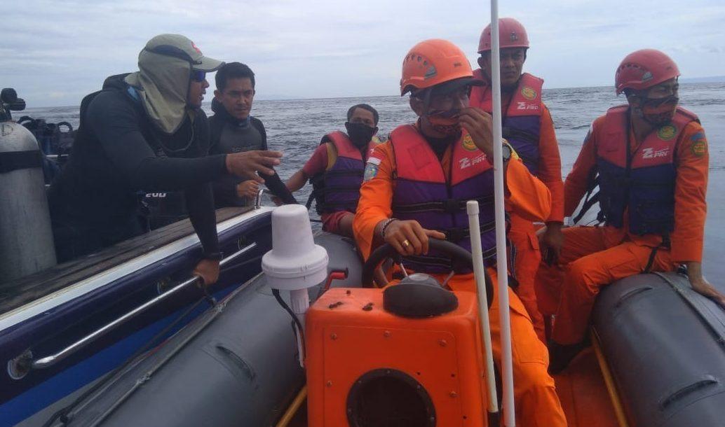 PENCARIAN I Gede Surya, peneliti yang hilang ketika menyelam di Perairan Gili Tekepong, Candidasa, Desa Bugbug, Karangasem. Foto: ist