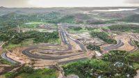 KEMAJUAN pembangunan Sirkuit Mandalika di Lombok Tengah yang mulai terlihat model dan bentuk sirkuitnya untuk menghelat MotoGP tahun 2021. Foto: rul