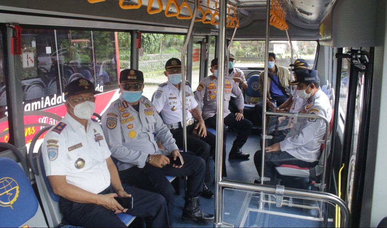 UJI coba trayek untuk koridor 4 Ubung-Ubud Bus Trans Metro Dewata, Senin (21/12/2020). Foto: adi