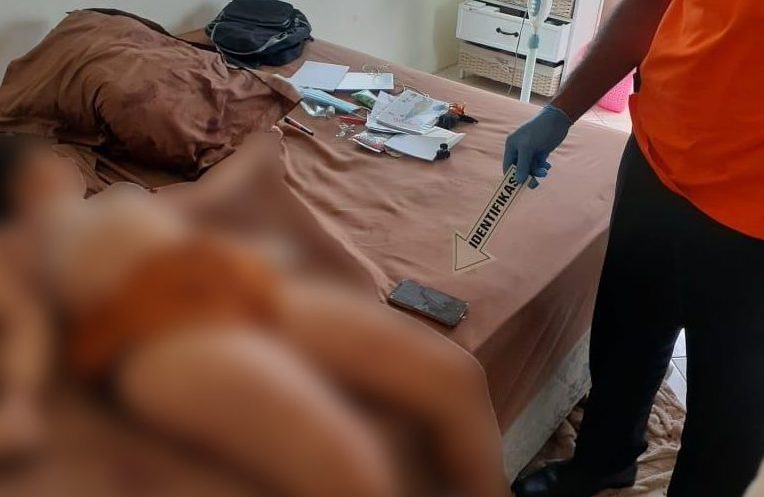 KORBAN Ni Putu Widiastuti (24), ditemukan tewas dengan kondisi berlumuran darah di atas tempat tidur kamar lantai dua rumahnya di Jalan Kertanegara Gang Widura No. 24, Desa Ubung Kaja, Denpasar, Senin (28/12/2020). Foto: ist