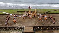 PEMENTASAN tari 'Lampah Nini' di Gunung Payung Cultural Park