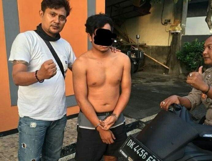 RESIDIVIS berinisial D (24) asal Pringgarata, Loteng,NTB diringkus personel Polsek Kawasan Pelabuhan Padangbai, Manggis, Minggu (3/1/2021) dini hari lalu. Dia kembali berurusan dengan hukum lantaran mencuri sepeda motor di Showroom Mobilku, Denpasar.