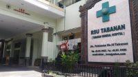 SEORANG tenaga kesehatan (nakes) yang bertugas sebagai perawat di BRSU Tabanan, NPD (41), meninggal dunia pada Senin (18/1/2021). Foto: gap