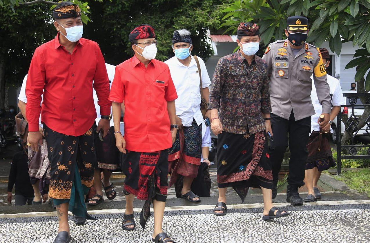 Sosialisasi Pengadaan Tanah Pembangunan PKB, Ketua DPRD Klungkung Dampingi Gubernur Koster