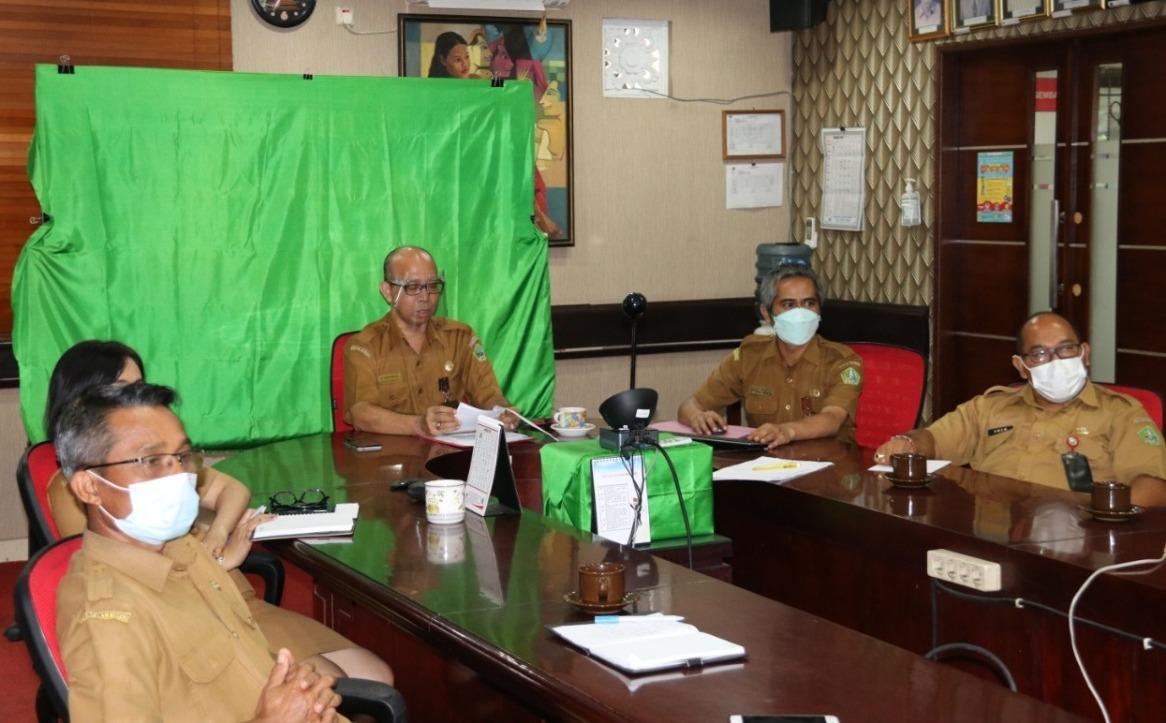 PEMKAB Tabanan melalui Bapelitbang Kabupaten Tabanan, baru-baru ini menggelar Konsultasi Publik Ranwal RKPD Kabupaten Tabanan 2022, yang dilaksanakan secara virtual. Foto: ist
