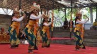 PEMENTASAN Gambuh, salah satu kesenian klasik di Kota Denpasar, dalam Pesta Kesenian Bali beberapa tahun lalu. Foto: ist