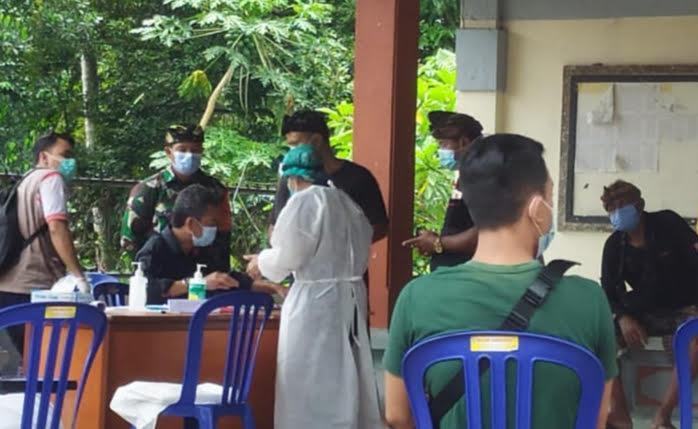 TES cepat Covid-19 susulan di Banjar Pengembungan, Desa Pejeng Kangin, Tampaksiring. Foto: adi