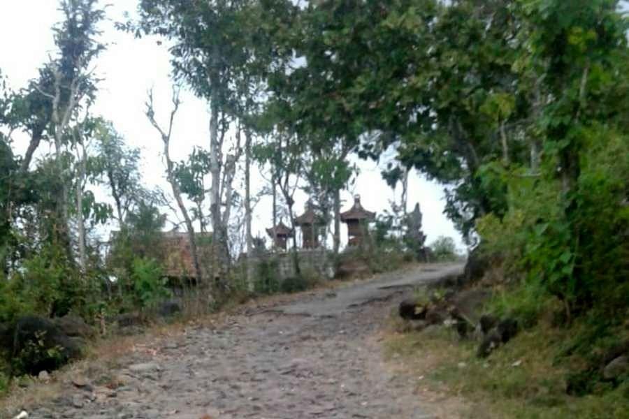 240 Km jalan Kabupaten Karangasem rusak berat. Foto: ist