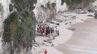 LOKASI tebing Pantai Bingin, Kuta Selatan, tempat korban Grace Wei Huang (49) terjatuh. Foto: ist