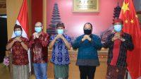 """WAKIL Rektor Unud bersama pimpinan Tourism Confucius Institute (TCI) Unud dan narasumber dalam Webinar """"Empowering Chinese Tourism for Tourism Revitalization in Bali"""" pada Jumat (26/2/2021). Foto: ist"""