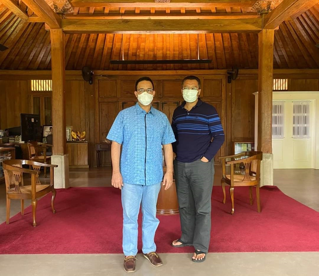 GUBERNUR NTB, Zulkieflimansyah, saat mengunjungi kediaman Gubernur DKI Jakarta, Anies Baswedan, beberapa waktu lalu. Foto: ist