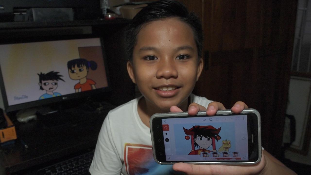 PUTU Akalanka Putra Karnaedi saat memperlihatkan animasi hasil karyanya. Foto: ist