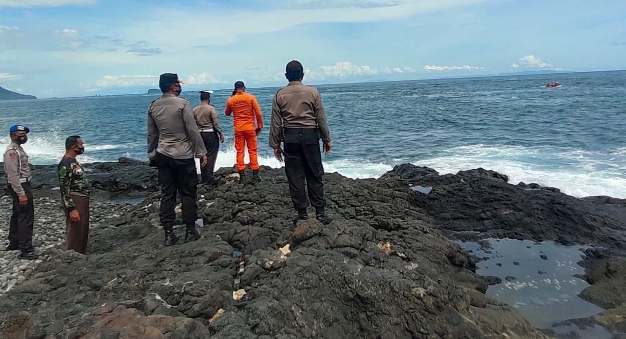 TIGA orang pemancing di kawasan Pantai Mimba, Padangbai, Manggis, Karangasem dilaporkan belum kembali sejak Sabtu (13/2/2021) malam lalu. Foto: ist