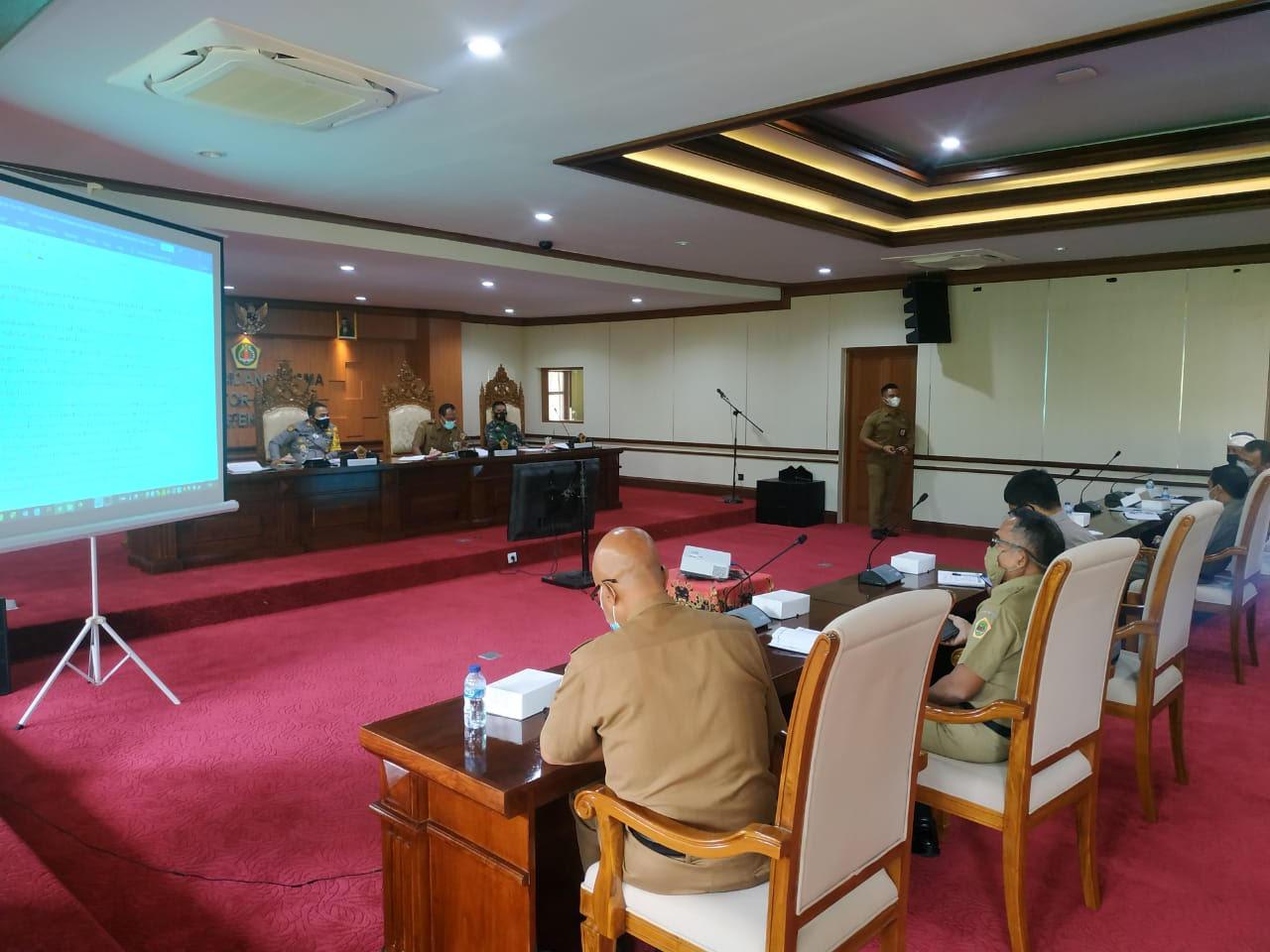 RAPAT persiapan teknis pelaksanaan PPKM Mikro di Gianyar. Foto: adi