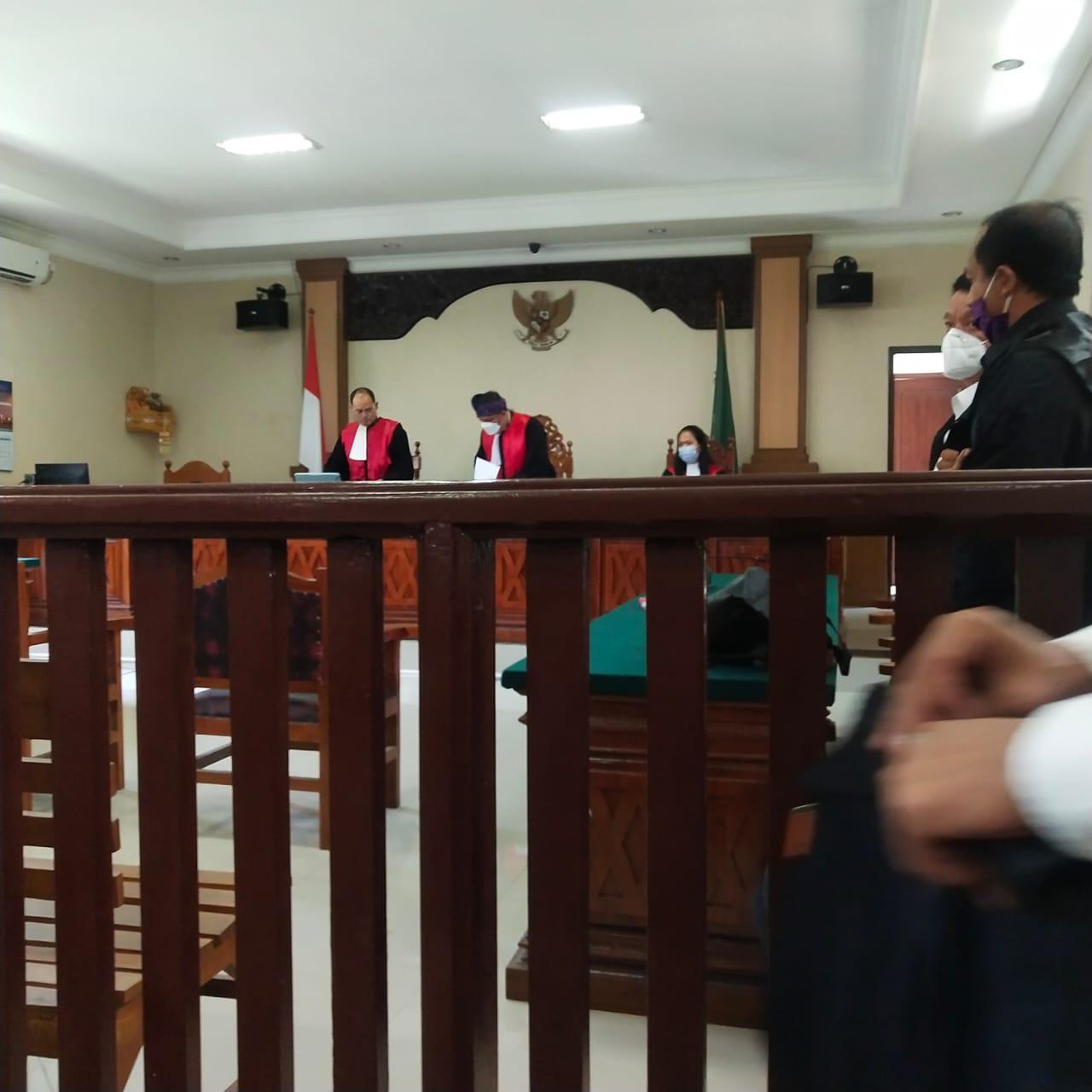 PROSES persidangan sengketa lahan berlangsung di PN Singaraja. Foto: ist