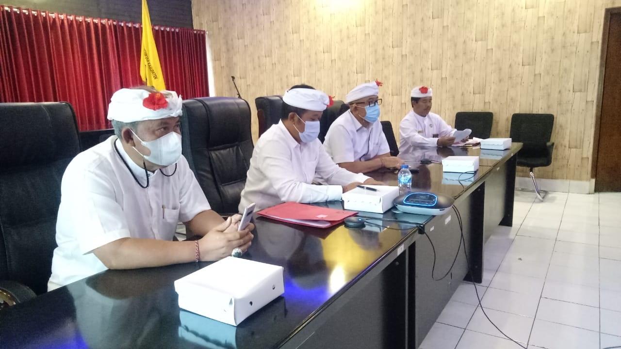 BUPATI Bangli, Sang Nyoman Sedana Arta, membuka Musrenbang RKPD Kabupaten Bangli tahun 2021 dalam rangka penyusunan RKPD tahun 2022, Rabu (31/3/2021). Foto: ist