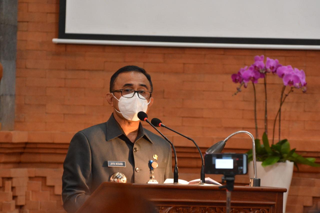 IGN Jaya Negara saat menyampaikan pidato perdana sebagai Wali Kota Denpasar dalam sidang paripurna DPRD Denpasar, Senin (1/3/2021). Foto: ist
