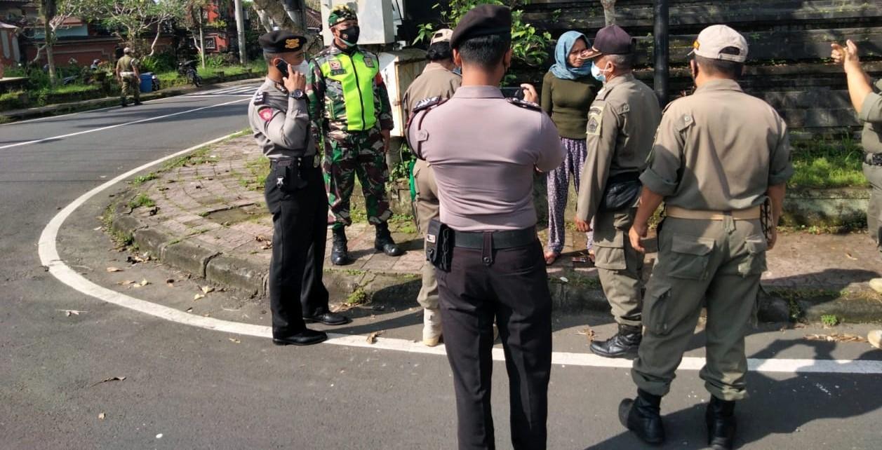 WARGA terjaring Operasi Yustisi terkait prokes, Senin (8/3/2021) karena tak memakai masker. Foto: ist