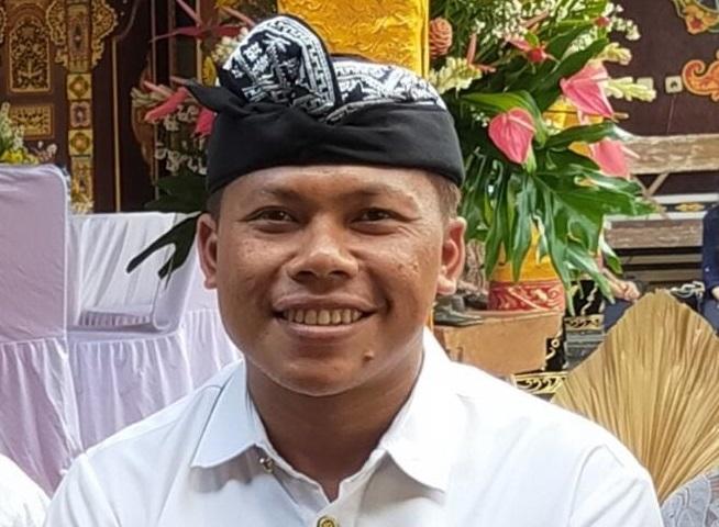 Plt. Kepala SMP PGRI 5 Denpasar, I Made Raditya Berata. Foto: ist