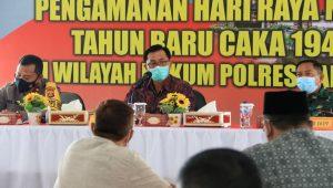 PEMKAB Tabanan menggelar rapat koordinasi terkait pengamanan perayaan hari raya Nyepi, di Ruang Wisnu Hartono Polres Tabanan, Jumat (5/3/2021). Foto: gap