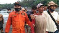 SEMPAT dilaporkan hilang di seputaran Perairan Kelecung, Desa Tegal Mengkeb, seorang nelayan I Wayan Suantra (41) ditemukan dalam keadaan selamat pagi ini, Selasa (9/3/2021). Foto: ist