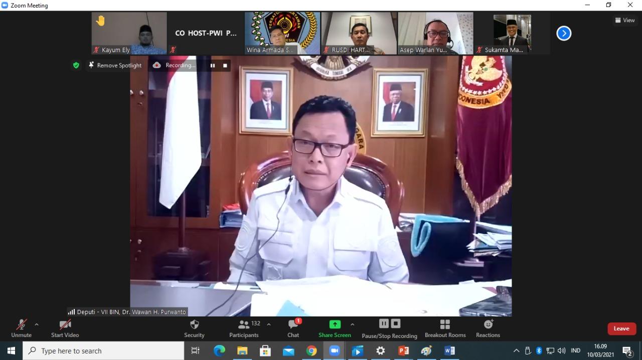 "DEPUTI VII Badan Intelijen Negara (BIN) Wawan Hari Purwanto dalam webinar ""Menyikapi Perubahan Undang-Undang ITE,"" yang digelar Persatuan Wartawan Indonesia (PWI) Pusat, Rabu (10/3/2021). Foto: ist"