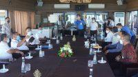BUPATI Jembrana, I Nengah Tamba, saat audiensi dengan pimpinan Bank BPD Bali di Denpasar, Rabu (21/4/2021). Foto: ist