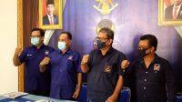 PENGURUS DPW Partai Nasdem Bali saat memberi keterangan pers, Senin (19/4/2021). Foto: bro