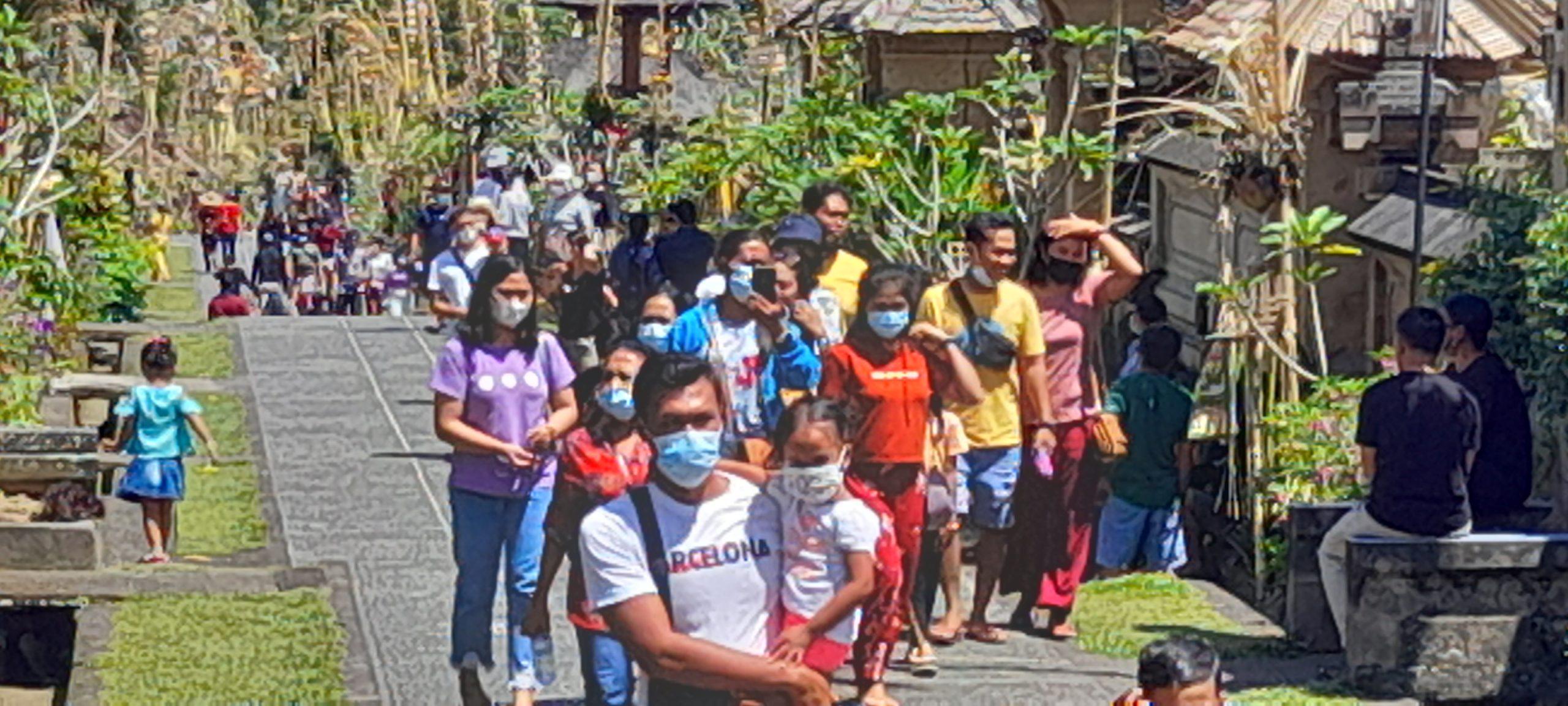 KAWASAN objek wisata Kintamani yakni di Penelokan dan Desa Wisata Penglipuran masih jadi primadona wisatawan lokal menikmati libur Umanis Galungan, Kamis (15/4/2021). Foto: ist