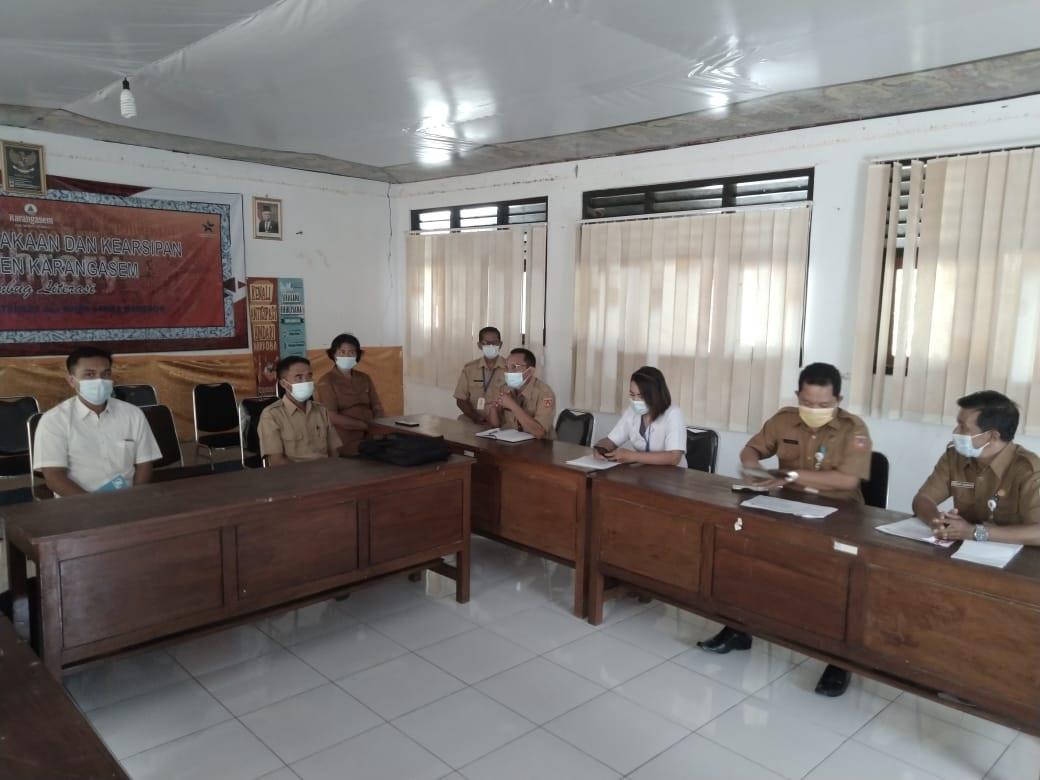 TIGA SD Negeri di Karangasem memagangkan petugas pengelola perpustakaan sekolah di Dinas Perpustakaan dan Kearsipan (Dispustaka) Karangasem. Foto: ist