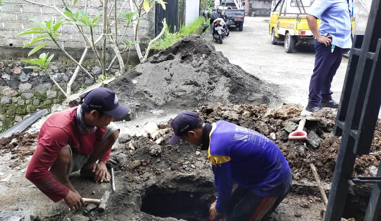 PERUMDA TAB Tabanan menyiagakan petugas lapangan dan teknisi, guna mengantisipasi terjadi gangguan air bersih, termasuk pada saat hari raya Galungan dan Kuningan mendatang. Foto: ist