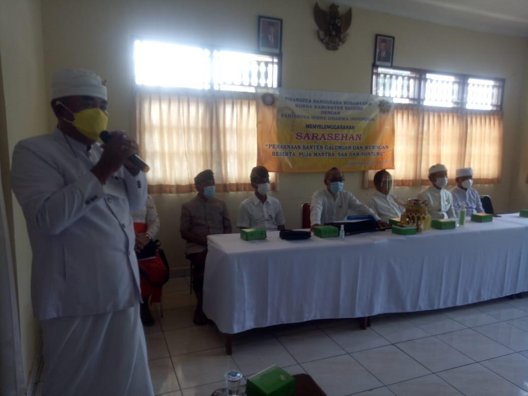PINANDITA I Nyoman Sukendra, saat melaporkan kegiatan sarasehan PSN Korda Kabupaten Badung. Foto: tra