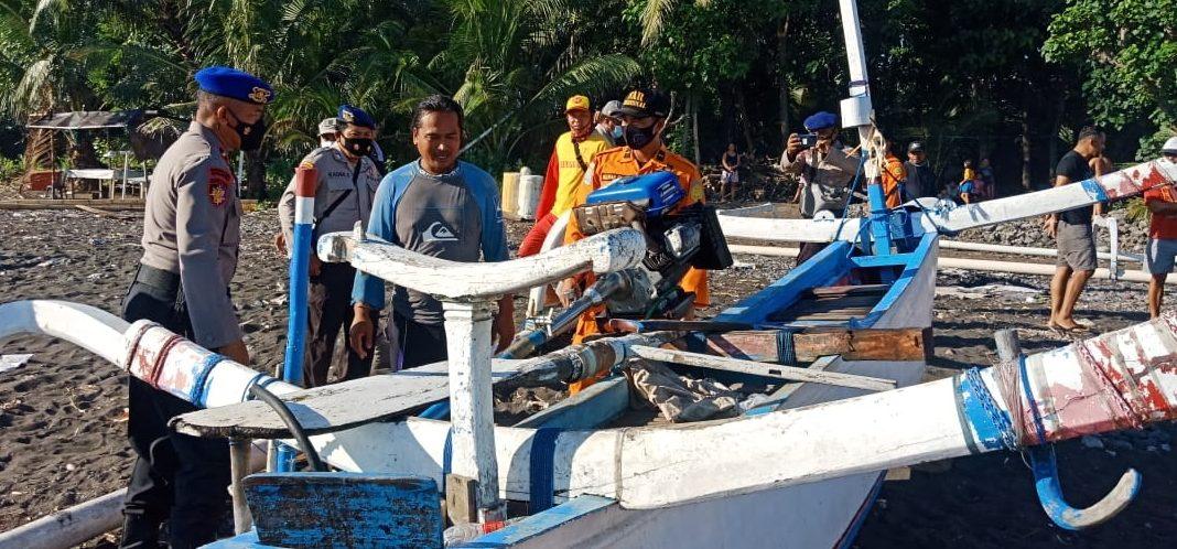 Mesin Mati, Nelayan Terapung di Laut Tianyar Diselamatkan