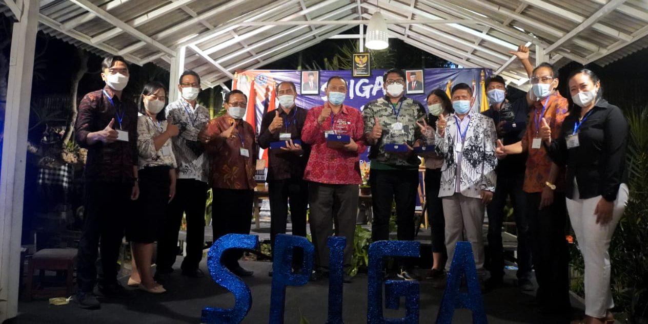 """SPIGA Edu Fest Tahun 2021, SMP PGRI 3 Denpasar menggelar acara peluncuran buku karya siswanya dan talkshow bertema """"Problematika dan Tantangan Dunia Pendidikan"""". Foto: ist"""