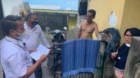 KPU dan Bawaslu Tabanan melakukan verifikasi faktual terhadap beberapa calon pemilih yang nyaris TMS, dengan turun langsung ke Desa Banjar Anyar, Kediri, Rabu (5/5/2021). Foto: ist
