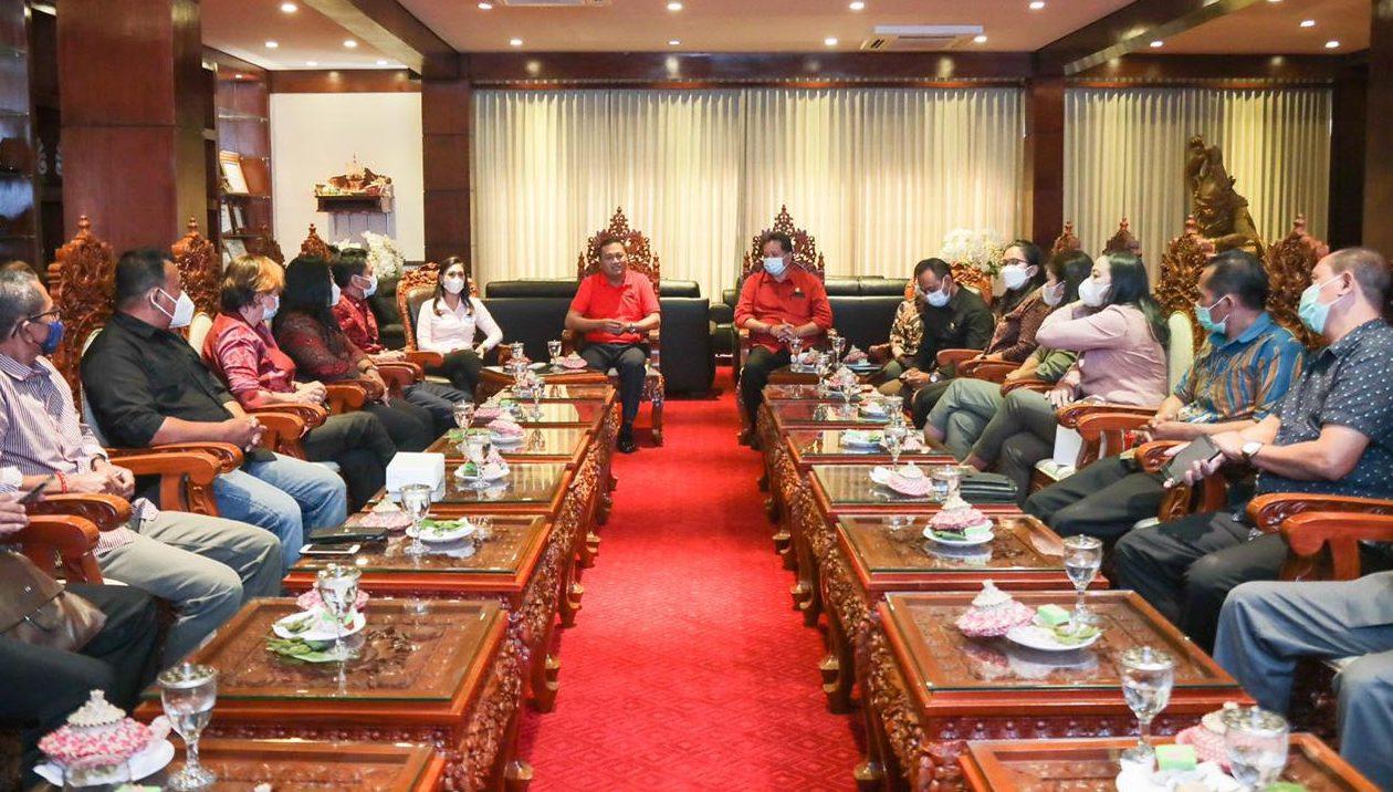 Terima Kunker DPRD Tabanan, Bupati Mahayastra Paparkan Terobosan di Gianyar