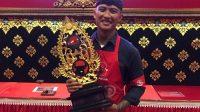 KADEK Rai Kusumayudha menyabet juara I dalam Grandfinal Barista Kopi Bali yang diselenggarakan DPD PDIP Bali di Gedung Kesenian I Ketut Maria, Tabanan, Sabtu (22/5/2021). Foto: ist
