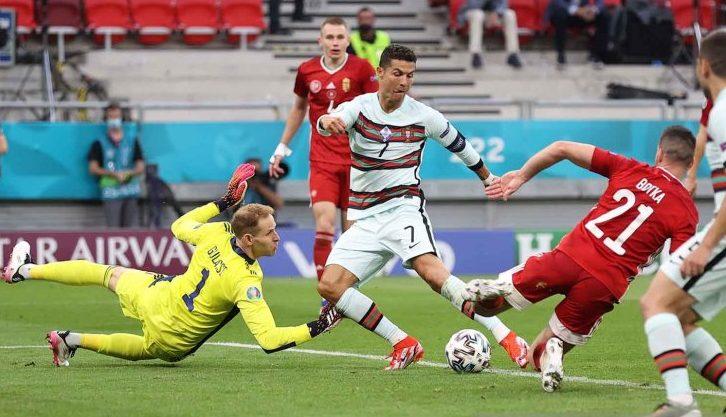 Cetak 2 Gol saat Portugal Libas Hongaria, CR7 Lewati Reko Platini